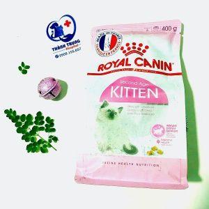 Mẫu thức ăn dành cho mèo của thương hiệu thức ăn Royal Canin